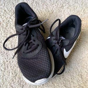Women's Nike Tanjuan Athletic Sneakers, Size 6